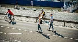 Bisiklet ve Kaykay Kullanırken Nelere Dikkat Etmeliyiz ile ilgili görsel sonucu