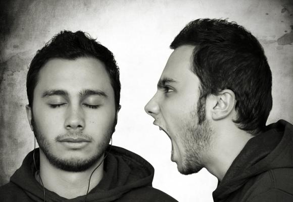 söz dinlemek ile ilgili görsel sonucu